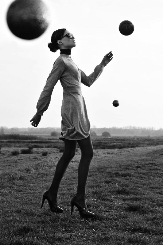 Mode-fotografie-magazine-zwart-wit-foto-nikki